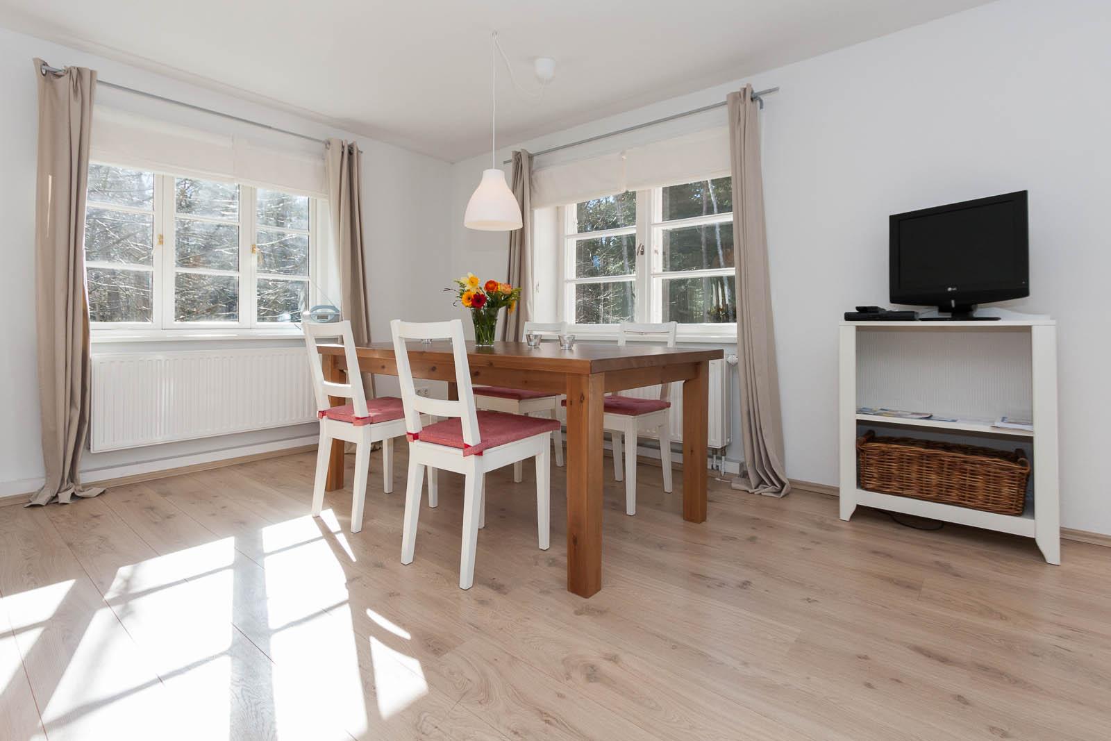 haus walden insel amrumwohnung 1 haus walden. Black Bedroom Furniture Sets. Home Design Ideas